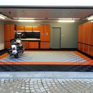 Garages 13