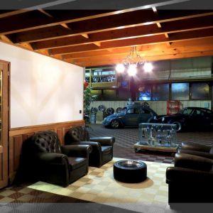 Garages 17
